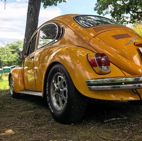 YELLOW BEETLE CAR