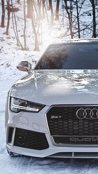 AUDI WHITE LUXURY CAR
