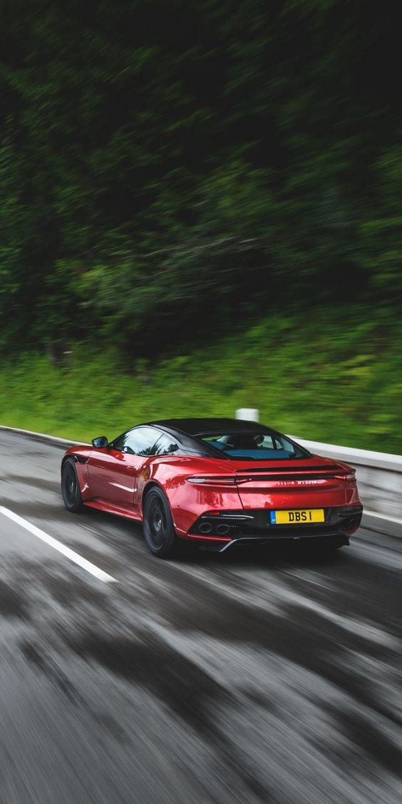 Aston Martin DBS Superleggera wallpaper