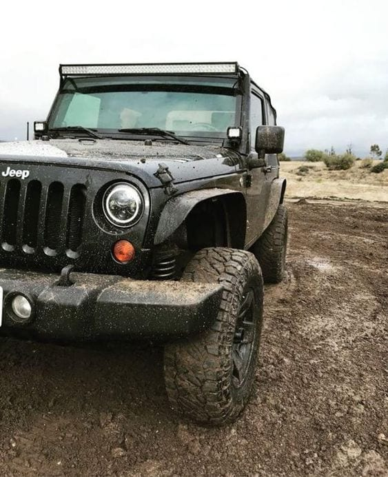 JEEP IN MUD WALLPAPER