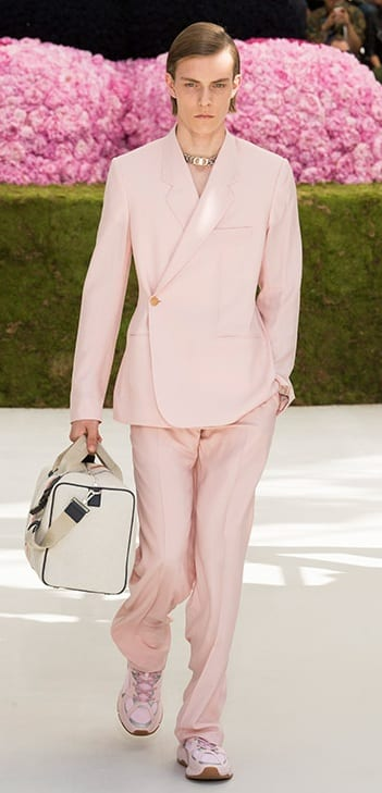 Full Pink suit,white bag,pink shoes