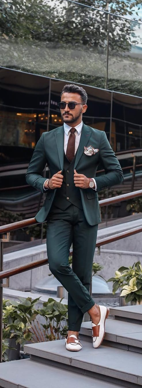 Classy-Suit-Outfit-Ideas-For-Men