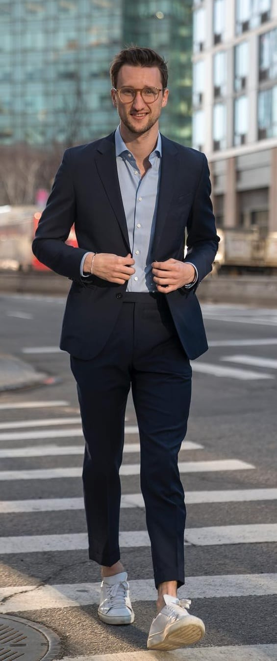 Stylish-Suit-Outfit-Ideas-For-Guys