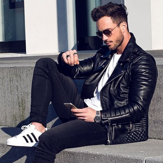 Dress-in-Black-Leather-Jacket-Black-Skinny-Jeans-and-one-can-complete-the-outfit-by-wearing-White-Adidas-Sneakers-1