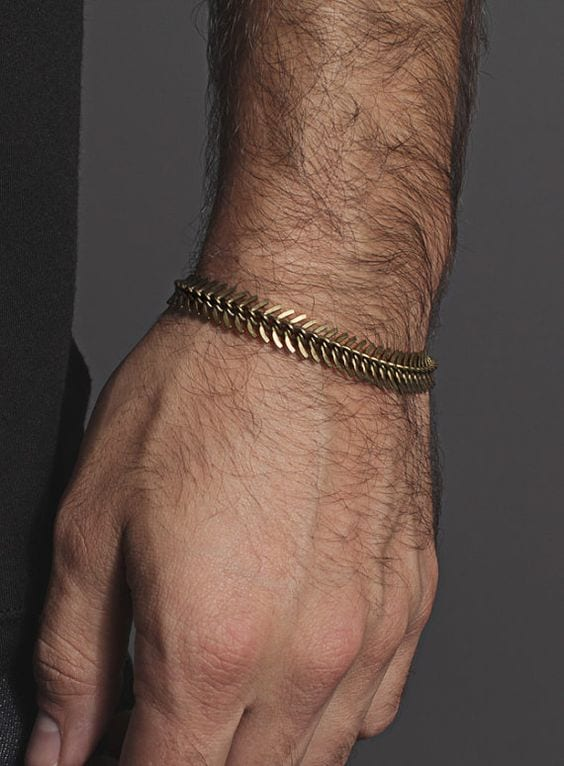 How-Cool-is-this-Spine-Chain-Bracelet-to-style-1