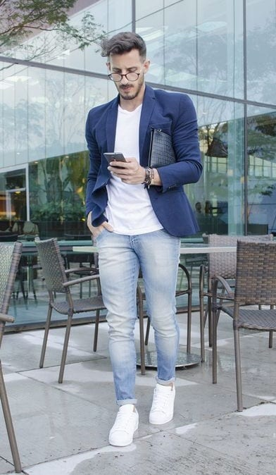 business-casual-outfit-for-men-dark-blue-blazer-white-plain-tshirt-light-blue-jeans-paired-with-white-sneakers