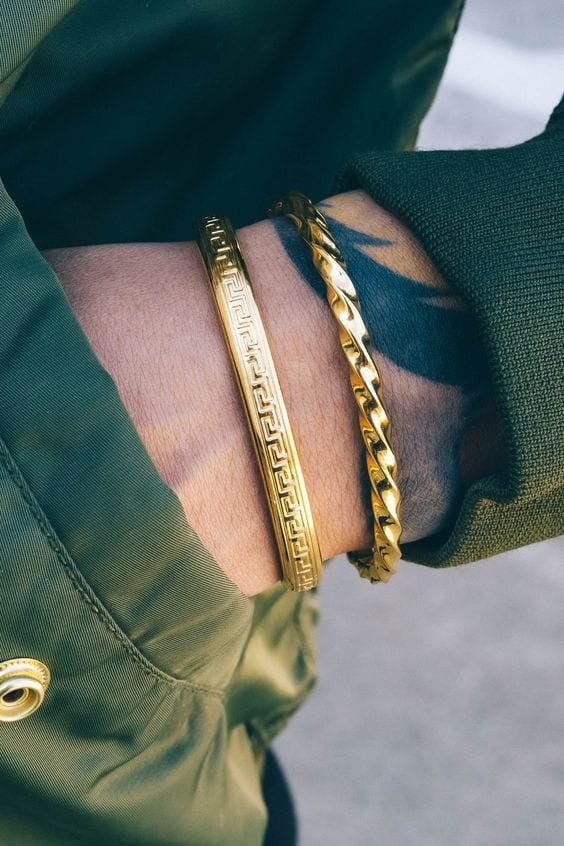 golden-bracelet-for-men-to-wear