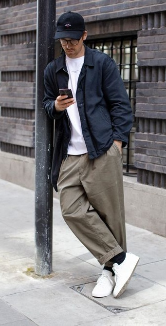 5 Ways To Style Baggy Trousers