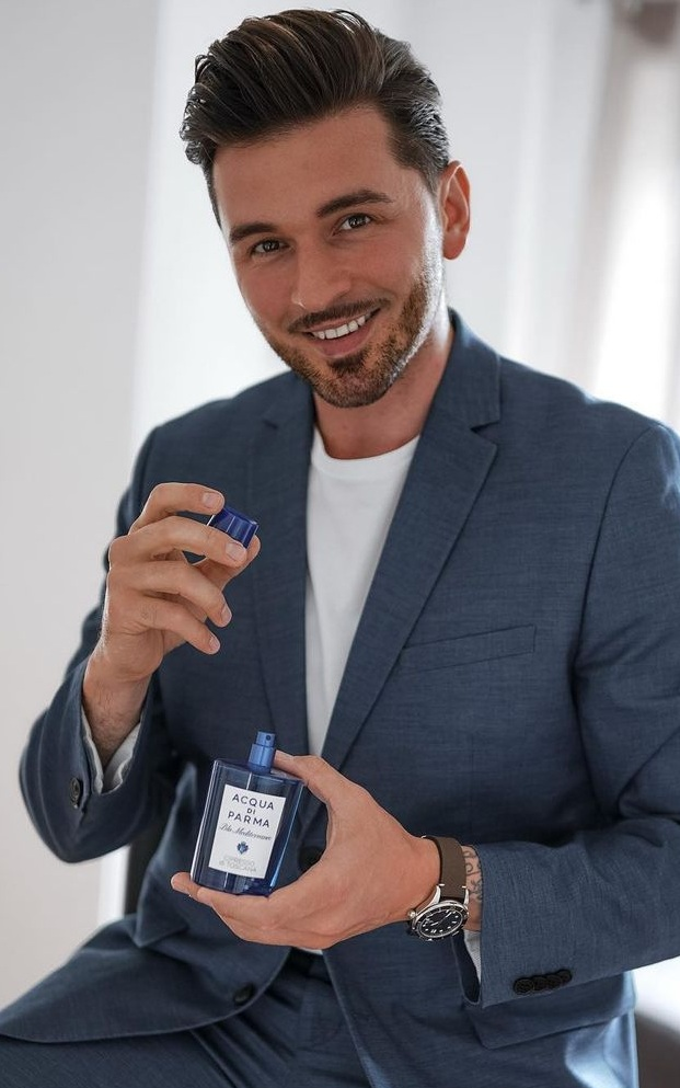 Smelling good is so important- Mens Perfume