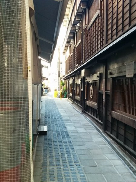 Alley from the Shotengai.
