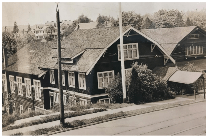 Photo the community clubhouse from 1929. (City of Seattle)
