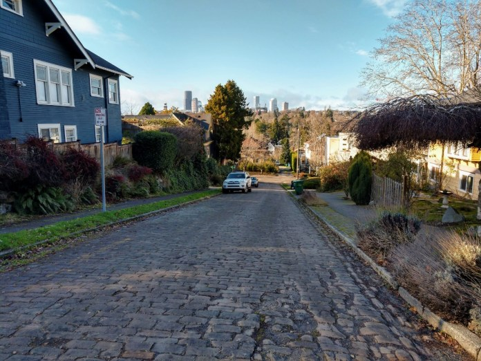 Even a few miles from Downtown, single family homes start taking over. Madrona is not an urban village. (Photo by author)
