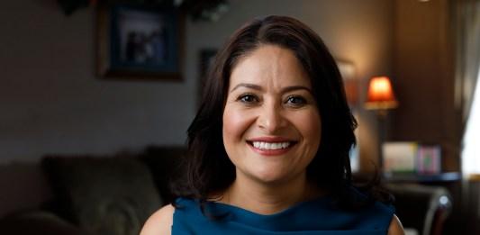 Lorena González smiling in a headshot photo.