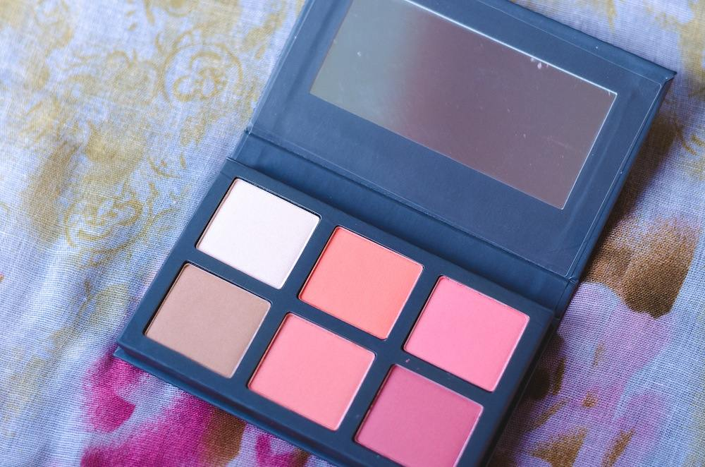 paulas-choice-blush-it-on-contour-swatches-and-palette