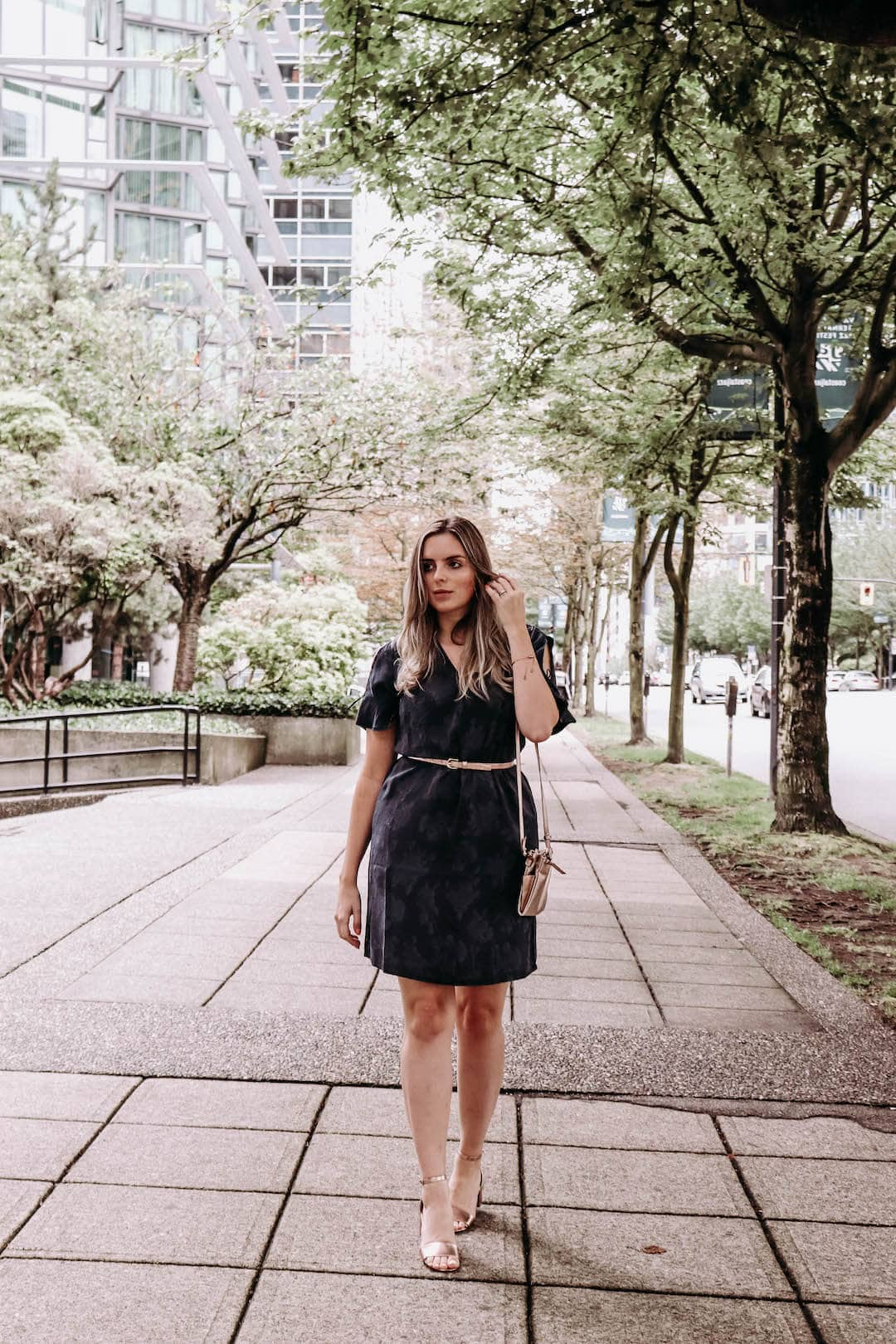 Why Everyone Needs a Simple Shift Dress in their Closet