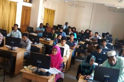 Hands-On UX At Begum Rokeya University