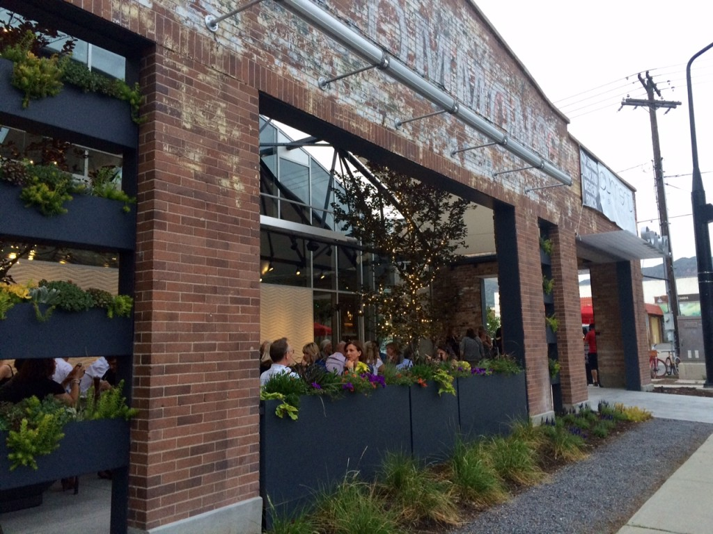 Current Fish & Oyster exterior