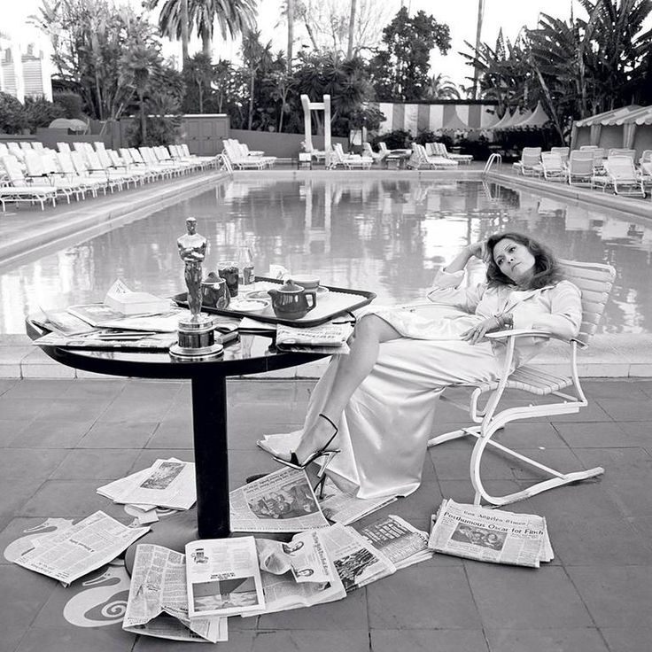 The famous post-Oscar photo of the lovely Faye, by (husband-to-be, Terry O'Neill)