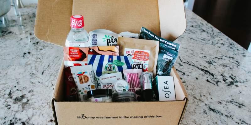 Vegan Cuts Review (Beauty box, snack box, and makeup box)