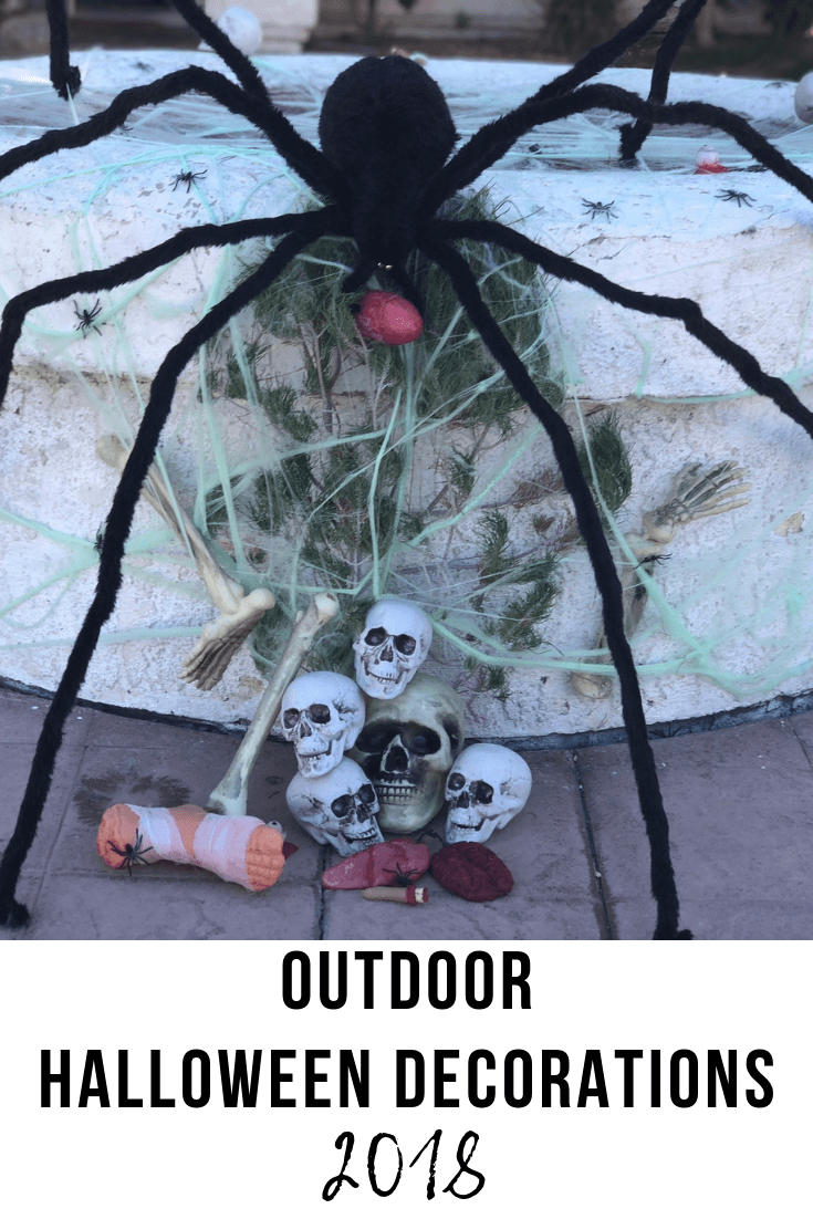 Outdoor Halloween Decorations 2018 | The Vegas Mom