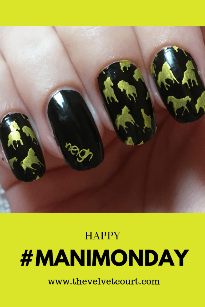 Discover how you can recreate this gold horse design using Clear Jelly Stamper & Lina Nail Art Supplies stamping plates & Hit the Bottle stamping polish