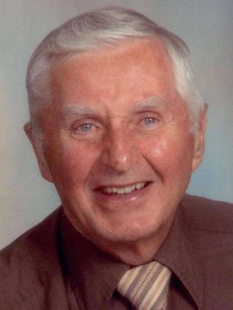 Bruce Thomas WEB