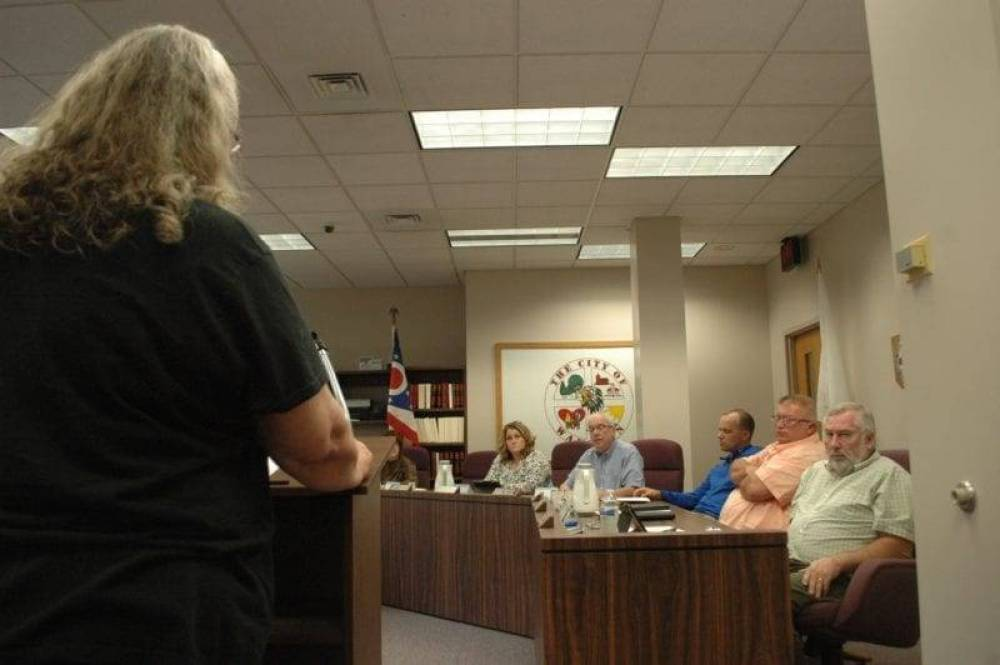 The Wauseon City Council listened to complaints from a local woman in a trailer court who said a notice about contaminants in the water never made it to her home.