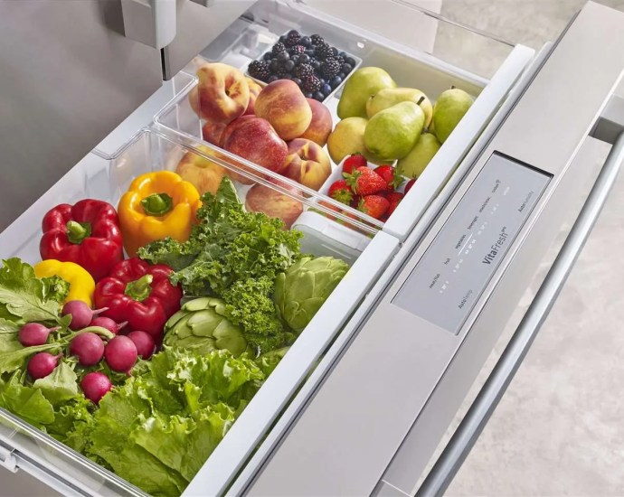 Refrigerator with Veggies