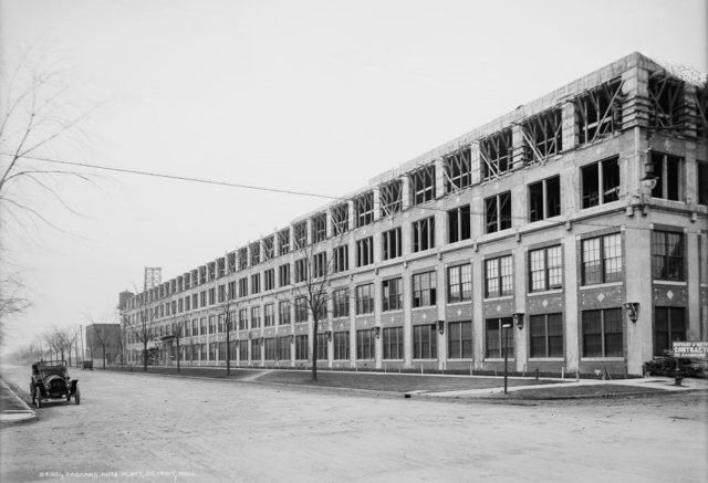 Packard Plant's building number 10 during expansion circa 1911