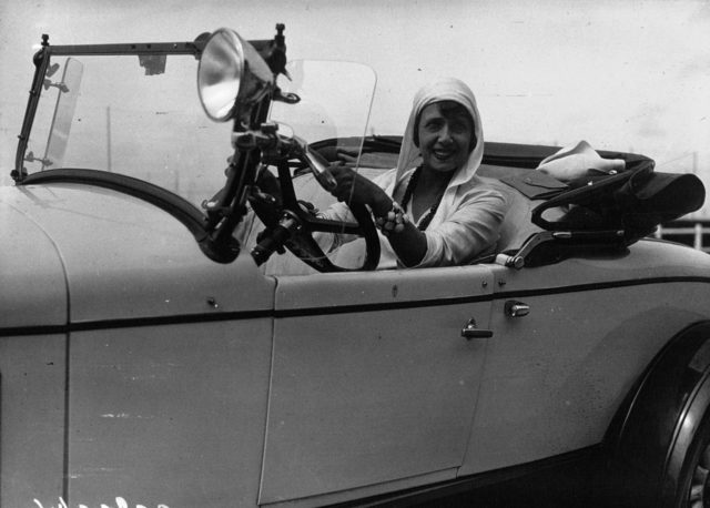 Mistinguett in her Chrysler, Deauville, France, 1929 Source