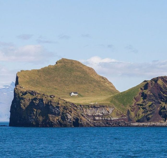 Story behind the Tiny House On A Remote Icelandic Island