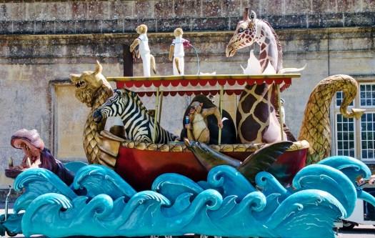 Longleat safari boat parade float (2000x1270)
