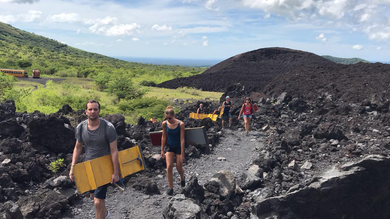 volcano-boarding-di-nicaragua-2
