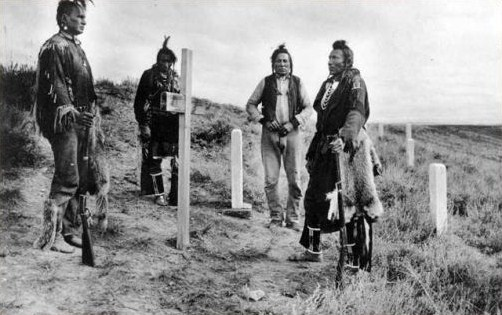 White-Man-Runs-Him, Hairy Moccasin, Curly, Goes-Ahead - US Army cavalry Crow scouts at Little Bighorn Battlefield ca 1913