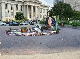 Breonna Taylor Memorial Louisville Kentucky (Photo: by Sydney Poore | Wikimedia Commons)