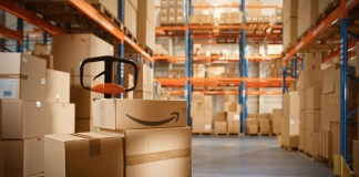 Amazon warehouse (Photo by: Gorodenkoff | Adobe Stock)