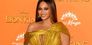 "The upcoming ""No Time To Die"" needs a killer theme song, and who better than Beyoncé to sing it? Eagle eyed fans noticed the singer may have dropped a rather large hint on Instagram while at the Golden Globes."