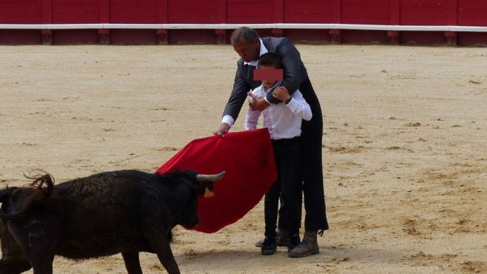 A student learns maneuvers from an instructor form the Beziers Becerada bullfighting school. (COLBAC/Zenger)