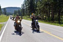 STURGIS-BUFFALO-CHIP-BIKER-BELLES-MORNING-RIDE-2