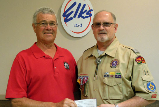 Elks donate to Boy Scouts 8-2016
