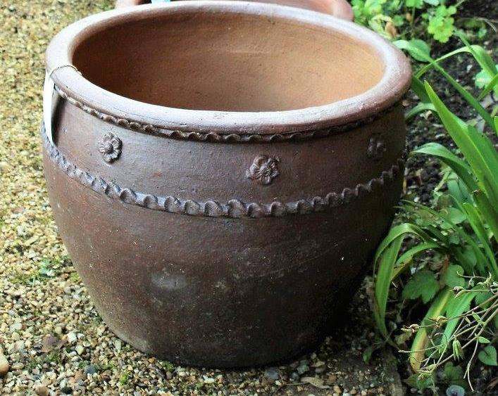 plant pot on shingle