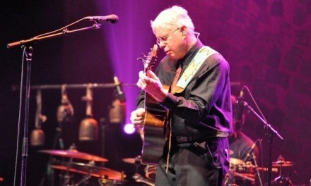 Bruce Cockburn Brings a Small Source of Comfort to Thunder Bay