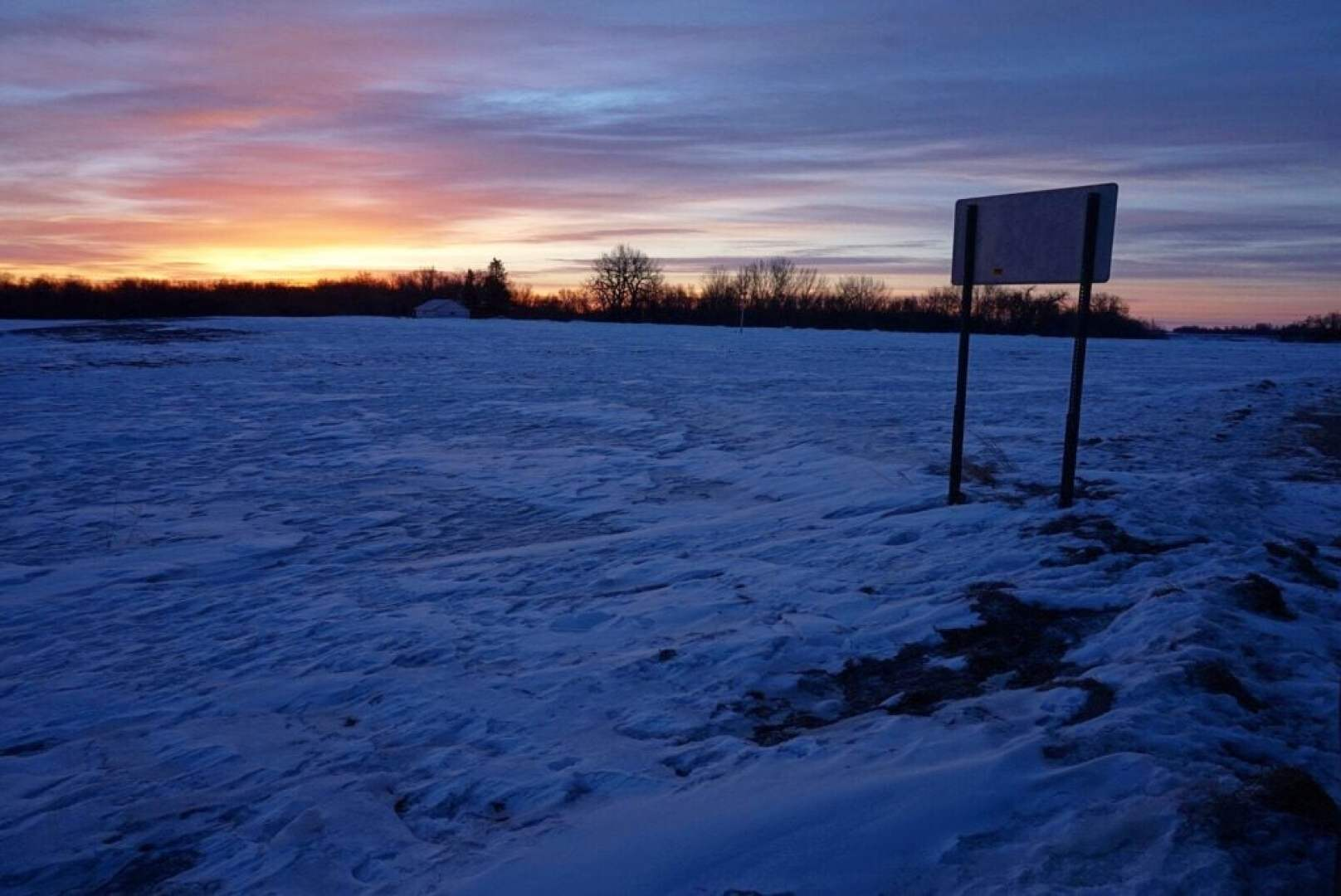 Minnesota Sunrise • What's it Really Like Living in the Coldest City in the Continental U.S.? | The Wanderful Me