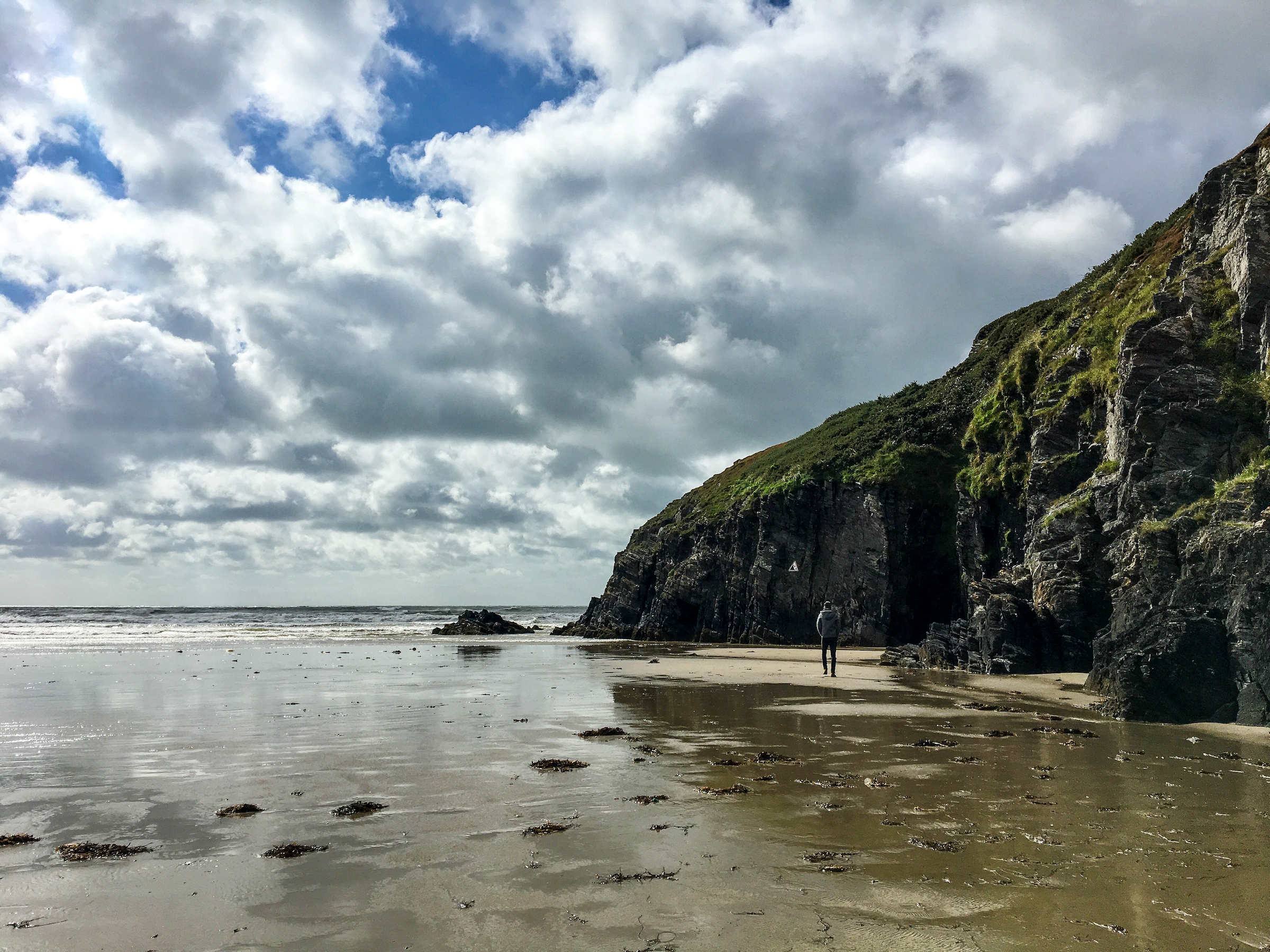 Black Rock Sands Beach 2 • Road Trip Through Southern England and Wales | The Wanderful Me