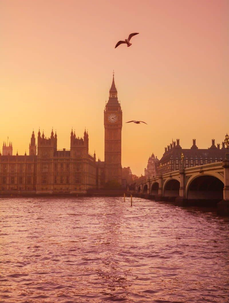 London, England by The Wandering Lens www.thewanderinglens.com