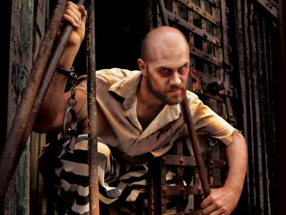 halloween-attractions-2015-esp-terror-behind-the-walls-prisoner-jpg-rend-tccom-616-462