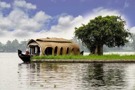 kerala-house-boating-kumarokom