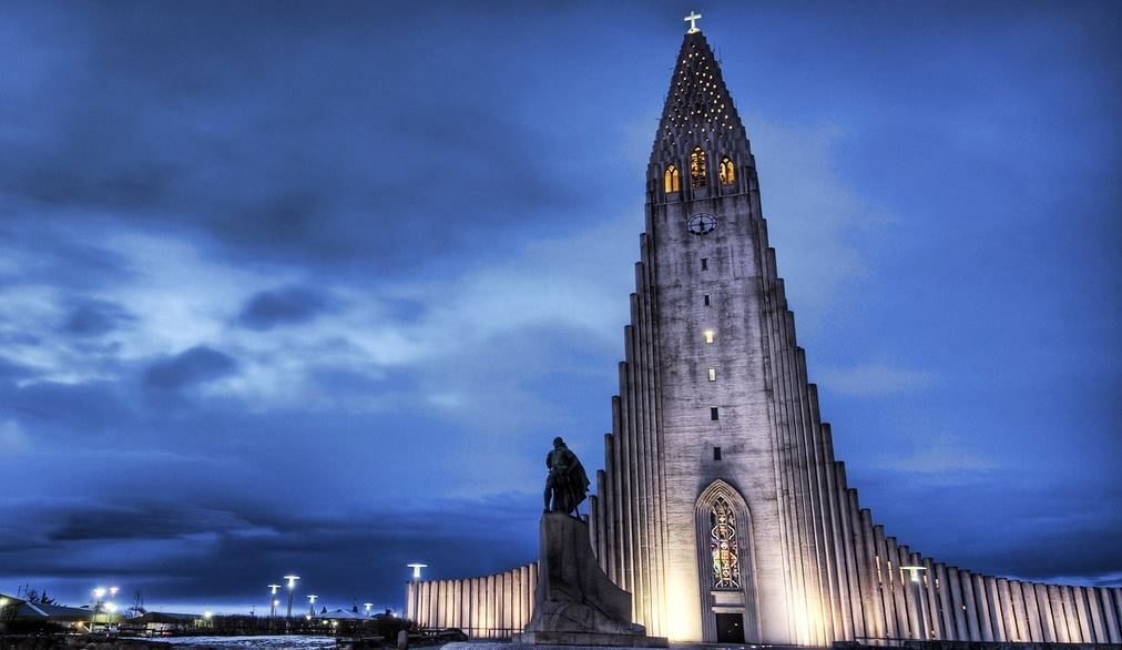 things to do in Reykjavik iceland Hallgrimskirkja Church - theWanderingStar