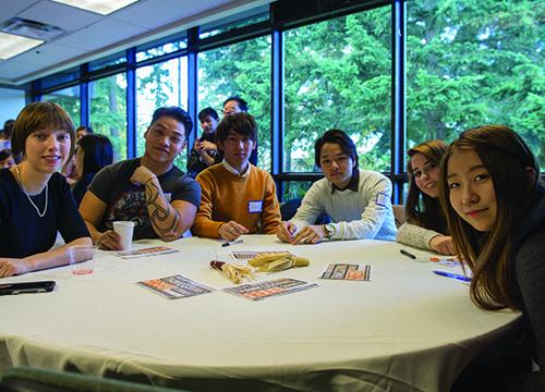 Students at the APISA/ITT Thanksgiving lunch