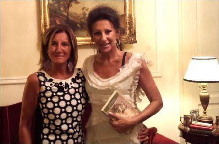 """La nostra """"scrittora"""" Cinzia Alibrandi con la star della lirica Lucia Aliberti."""